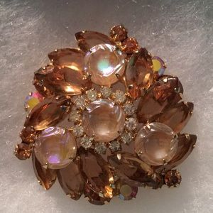 Jewelry - Gorgeous vintage pin